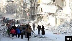 Жители Алеппо покидают районы города, где идут бои