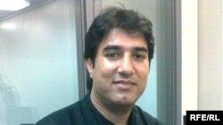 الفنان العراقي أنور أبو دراغ في إستوديوهات إذاعة العراق الحر