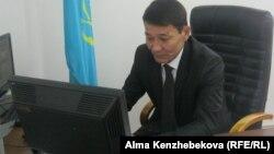 Канат Отынчиев, директор Дома юношества в Алматы. 10 декабря 2013 года.