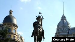 Romania - Bucharest, statue, Sep2010