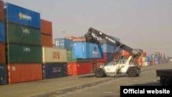 قاچاق کالا در ایران به یکی از مهمترین معضلات اقتصادی و نمادهای «فساد» در ایران تبدیل شده است