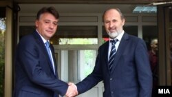 Градоначалникот на Скопје Петре Шилегов и поранешниот градоначалник Коце Трајановски.