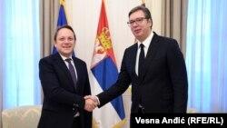 Presidenti serb, Aleksandar Vuçiq me Komisionarin evropian për Zgjerim dhe Fqinjësi, Oliver Varhelyi.