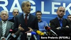 Miodrag Lekić na konferenciji za novinare, 17.april 2013.