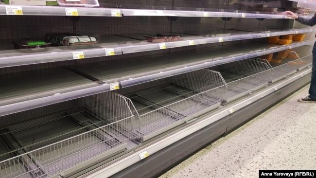 Пустые полки в магазинах Йоэнсуу