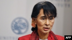 Burmese democracy campaigner Aung San Suu Kyi (file photo)