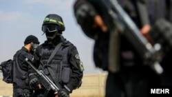 نیروهای ضد شورش ایران در حال تمرینهای نظامی.
