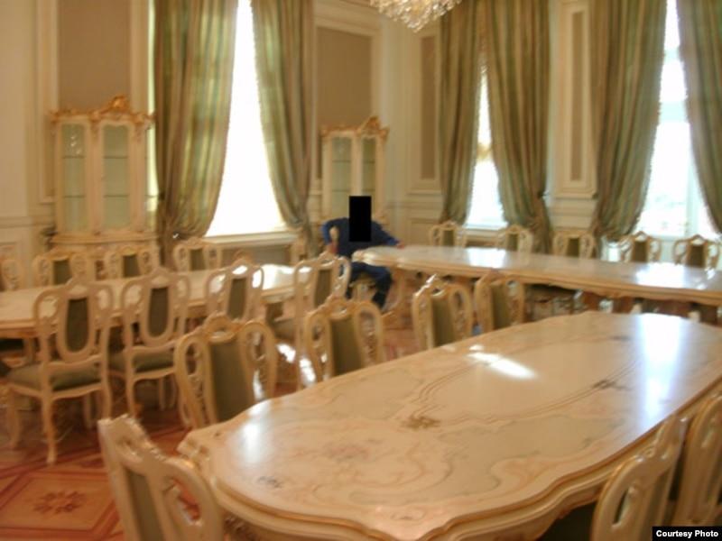 'Putin Palace' Pics: It's Good To Be The PM