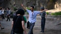Пјонгјангски стил на танцување во парк