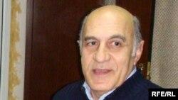 Siyasi analitik Fikrət Sadiqov