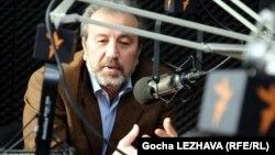 Грузинский политолог, эксперт по вопросам евроинтеграции Каха Гоголашвили