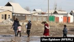 Жаңы конуштун тургундарынын көбү каттоосуз жашары айтылып келет. Бишкек