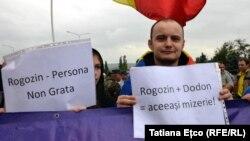 La protestul anti-Rogozin de la Aeroportul Chișinău