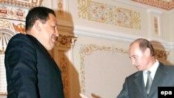 Аналитики указывают на политический подтекст встречи Чавеса и Путина, накануне его визита в США