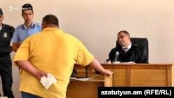 Սամվել Բաբայանի գործով վկան հրաժարվում է իր ցուցմունքներից