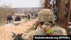 Раніше українська сторона звинувачувала підтримуваних Росією бойовиків у зриві процесу розведення військ біля Станиці Луганської на Луганщині