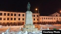 Памятник Петру I в Архангельске