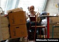 Мехран Карими Нассери на 17-м году своего пребывания в парижском аэропорту