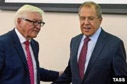 Міністри закордонних справ Росії і Німеччини Сергій Лавров та Франк-Вальтер Штайнмаєр. Єкатеринбург, 15 серпня 2016 року