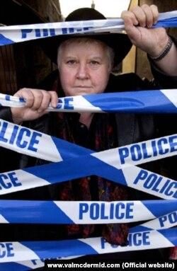 Val McDermid əsasən müxtəlif cinayətlər, onların ört-basdır edilməsi və s. mövzularda əsərlər yazır.