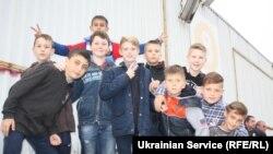 Юные футболисты из Запорожья болеют за «Зарю»