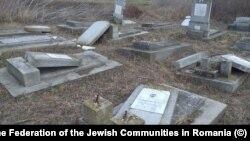 Monumente funerare evreiești vandalizate la Huși
