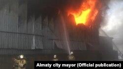 Пожар на рынке. Алматы, 6 сентября 2019 года.