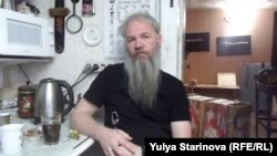 Василий Слонов в мастерской