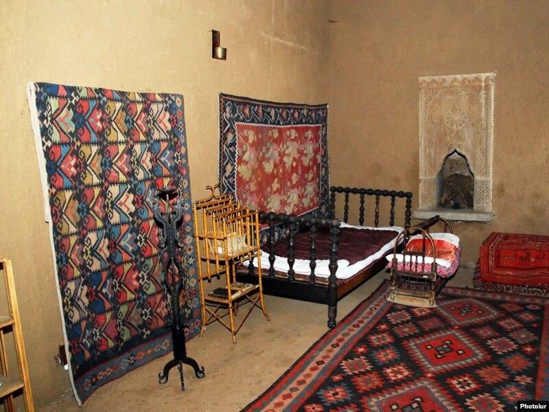 Дом-музей Хачатура Абовяна пытается переместиться из онлайн-платформы на реальную