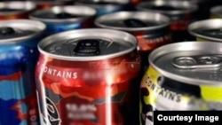 Энергетические коктейли, содержащие алкоголь, представлены в российской торговле обширным ассортиментом