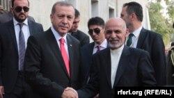 Ооган президенти Ашраф Гани менен Түркия президенти Режеп Тайып Эрдогандын Кабулдагы жолугушуусу. 18-октябрь, 2014-жыл.