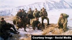 Псковские десантники на высоте в районе Улус-Керт в Чечне