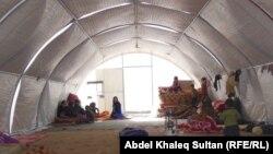 لاجئون سوريون في مخيم باجد كندالا قرب معبر فيشخابور