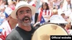 "Пуэрториканский парад в Нью-Йорке. <a href = ""http://www.nationalpuertoricandayparade.org/index.html"" target=_blank>Официальный сайт</a>"