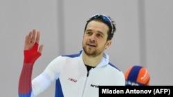 Ковзаняр Денис Юсков (на фото) точно не поїде на Олімпіаду