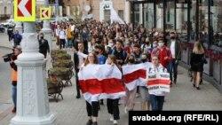 Студэнцкі марш на плошчы Перамогі ў Менску