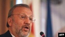 منوچهر متکی هر گونه اظهار نظر درباره گزارش مدير کل آژانس بين المللی انرژی اتمی را به زمان پس از انتشار آن موکول کرد.(عکس: AFP)