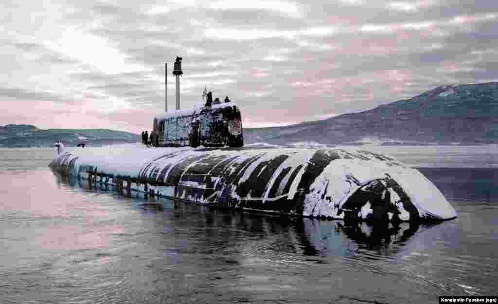 A nuclear submarine near the Kurile Island chain in 1998. Another factor wedding Russia to the southern islands is current military strategy: Deepwater channels between the southern Kuriles allow Russian submarines a stealthy corridor to the Pacific Ocean.
