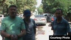 Задержанный сотрудниками ГСКН старший оперуполномоченный ГУУР МВД Замирбек Шаршеев. 23 июля 2013 года