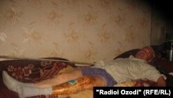 Салим Шамсиддинов боши ва оёқлари жиддий жароҳат олган.