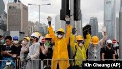 Судири на полицијата и демонстрантите во Хонг Конг