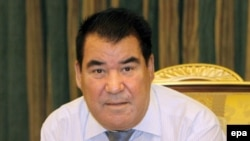 Turkmenbashi: earthquake survivor