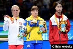 Перша паралімпійська чемпіонка з настільного тенісу Наталія Косміна (по центру), фото прес-служби НКСІУ