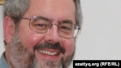 Девин ДеВиз, ортағасырлық мұсылман Орталық Азиядағы діни дәстүрлерді зерттеуші