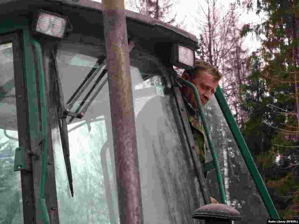 """""""Российские автомобильные дороги"""" заявили о возобновлении работ в Химкинском лесу -"""