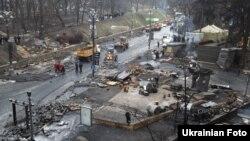 Киевдаги Грушевский кўчаси, 2014 йил 16 феврали.