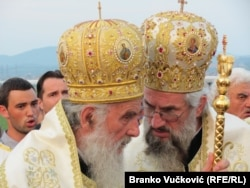 Патриарх Сербский Ириней (слева) и епископ Шумадийский Йован