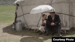 "Кадр из фильма ""Сутак""."