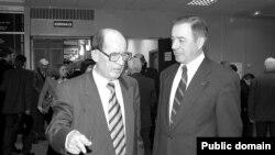Фәннәр академиясенең президентлары Мансур Хәсәнов (1992-2006) һәм Әхмәт Мазһаров (2006-2014)