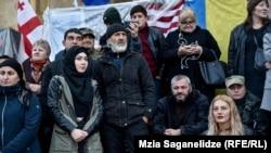 С 10 сентябряотцы и их единомышленники протестуют в перманентном режиме у здания парламента